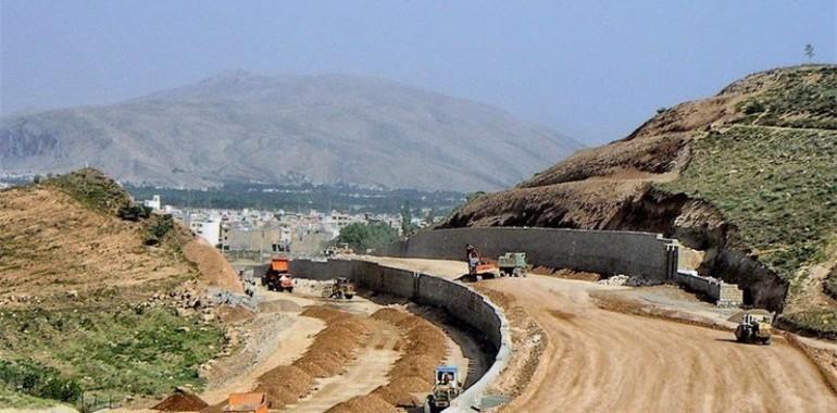 تذکر به پیمانکار بزرگراه همت/پُر کردن دره با خاک به جای احداث پل